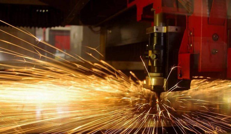 Slide Ferrari lavorazione lamiere Verona - Carpenteria leggera Verona - Carpenteria metallica Verona lamiere