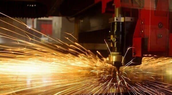 Contatti Ferrari lavorazione lamiere Verona. Carpenteria leggera e metallica a Verona