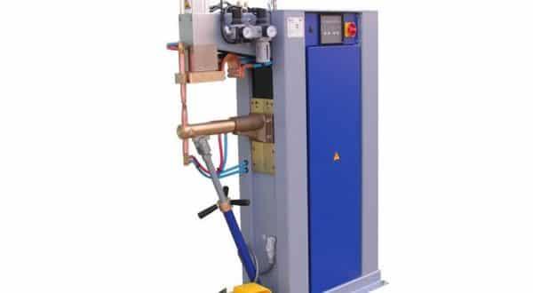Puntatrice elettrica - Ferrari lavorazione lamiere Verona - Carpenteria leggera Verona